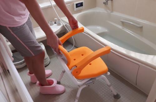 セントケア東北 株式会社 訪問入浴のドライバー兼介護スタッフ